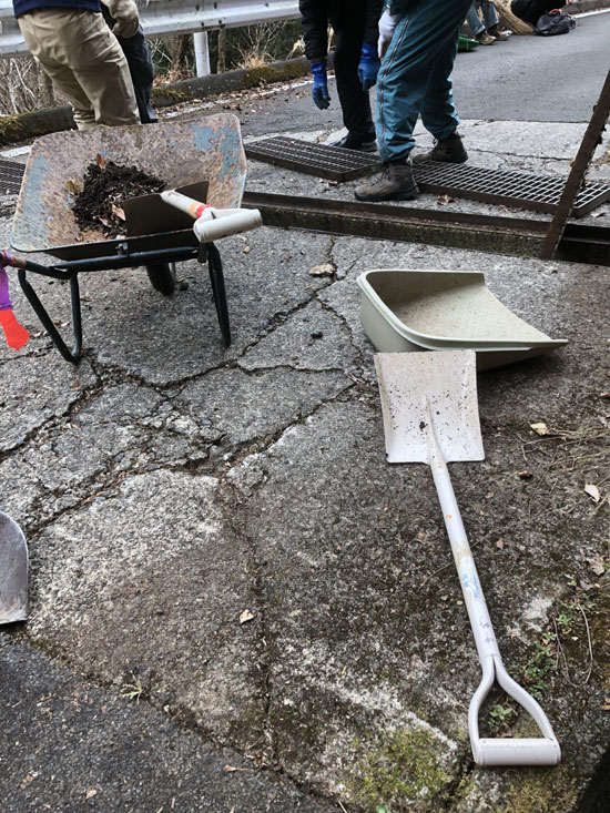 山道の清掃